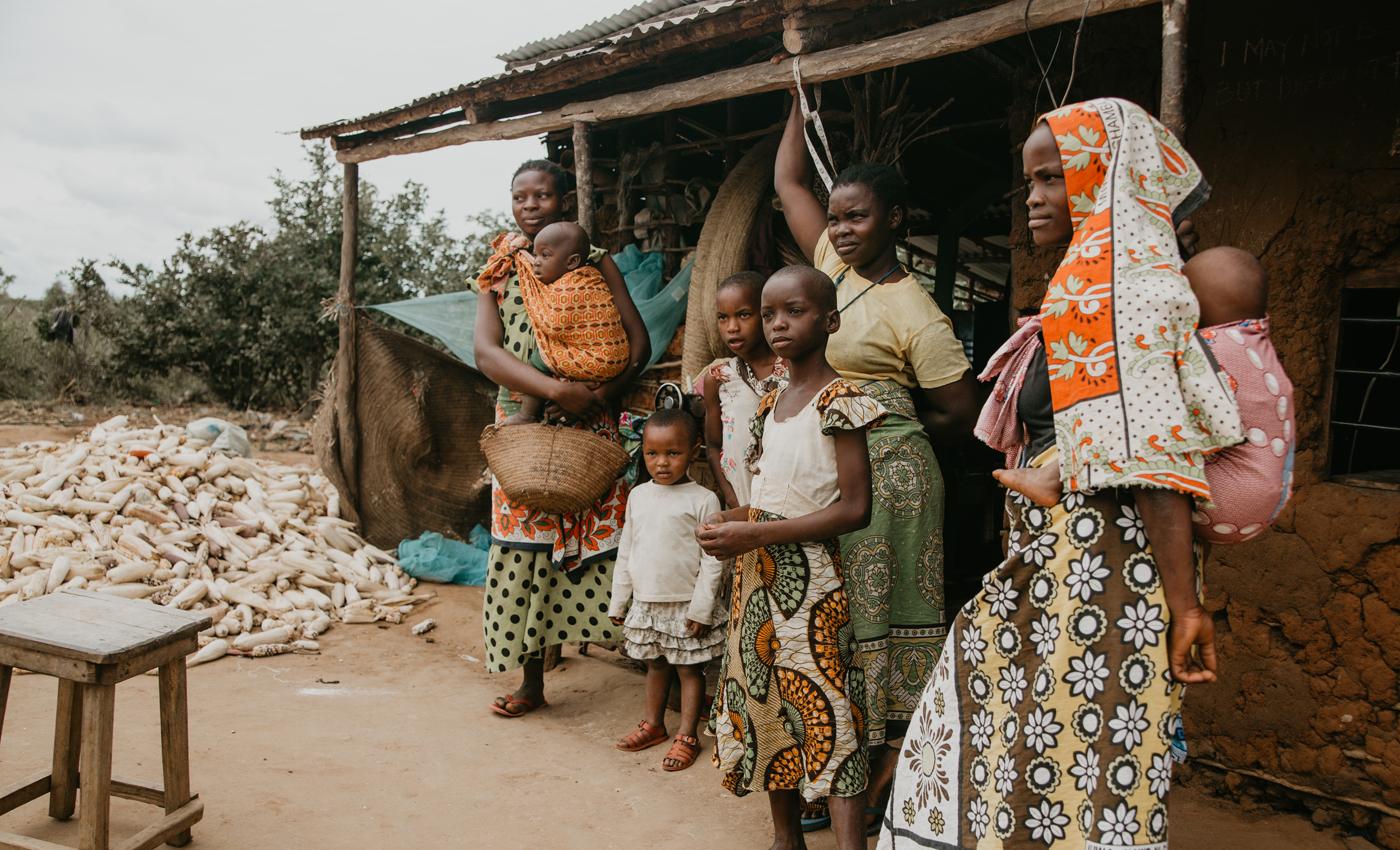 SavilleA-KenyaWomenChildren-CultureTravel
