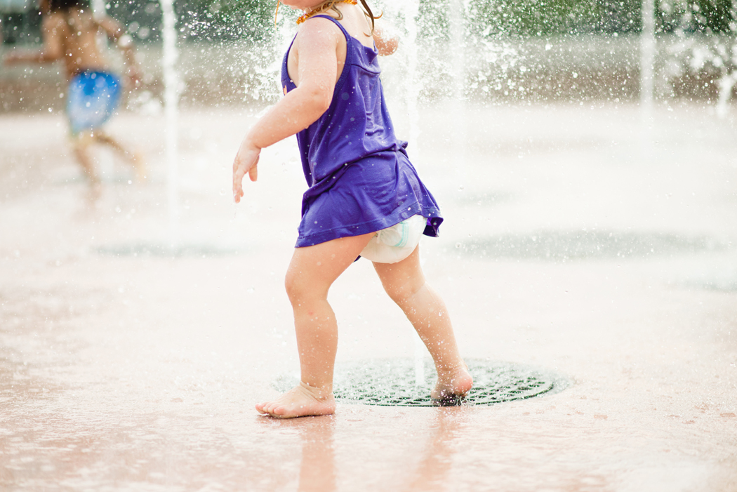 1-splashpad-fun-photographer-ideas-photos