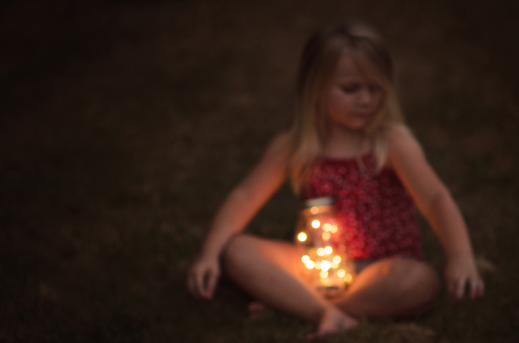 2-catch-fireflies-lightening-bugs-photography-summer-ideas-photos