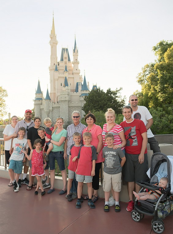 Disneyworld-family-castle