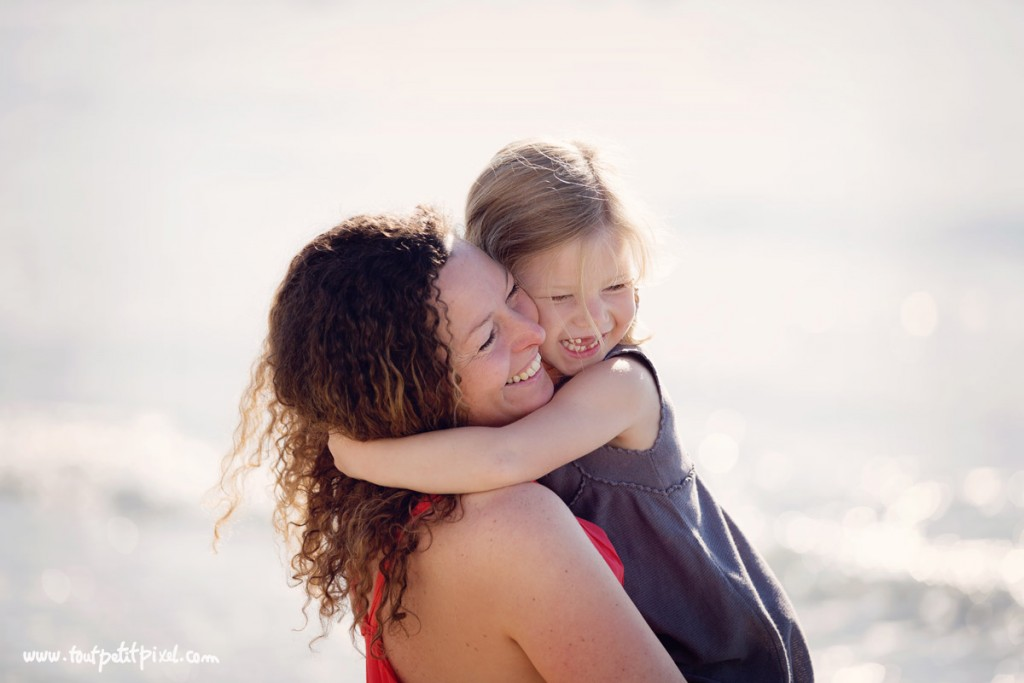 photo of mom and daughter hugging by Lisa Tichane 4