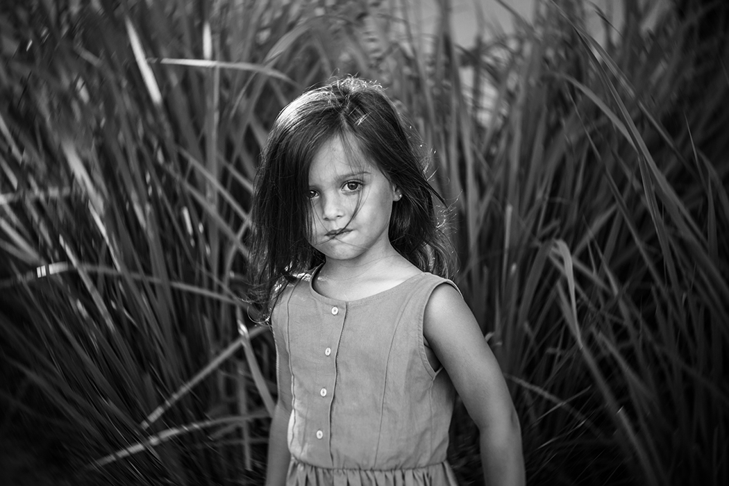 black and white portrait with the Lensbaby Twist 60 by Carolina Gonzalez