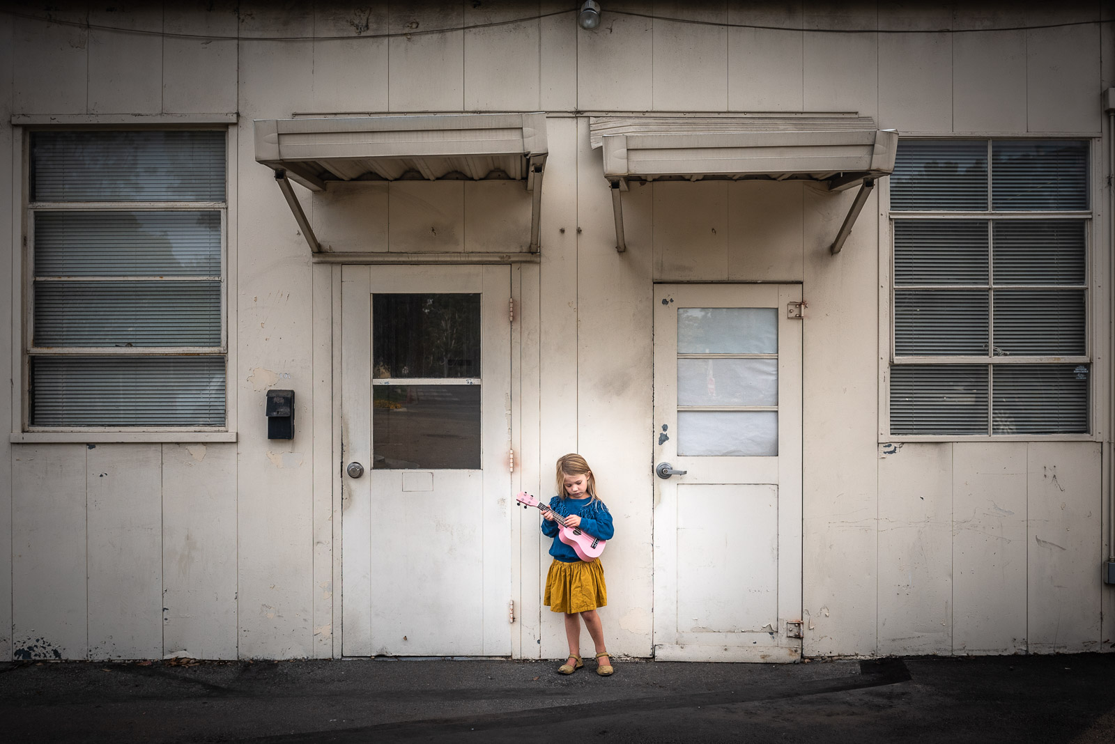 Minimalist child photography