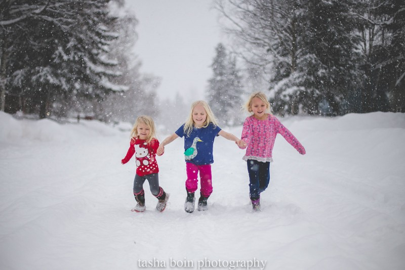 11 tips to help you rock your outdoor winter photo shoot