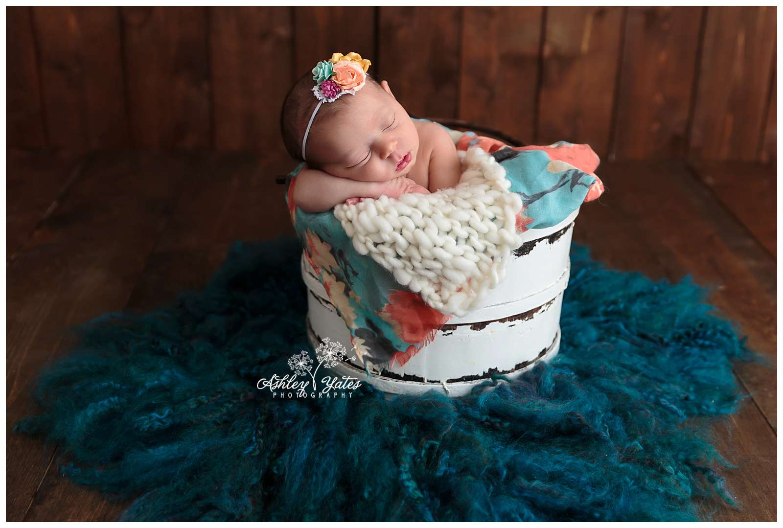 With a little trial and error, some help from Pinterest and YouTube, I found three easy and inexpensive newborn props that anyone can do on their own - even those who aren't crafty by nature!