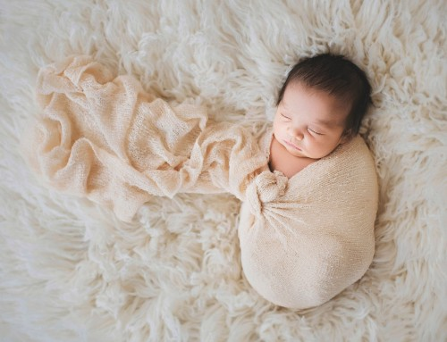 5 Poses & a baby: Behind the scenes of a newborn session