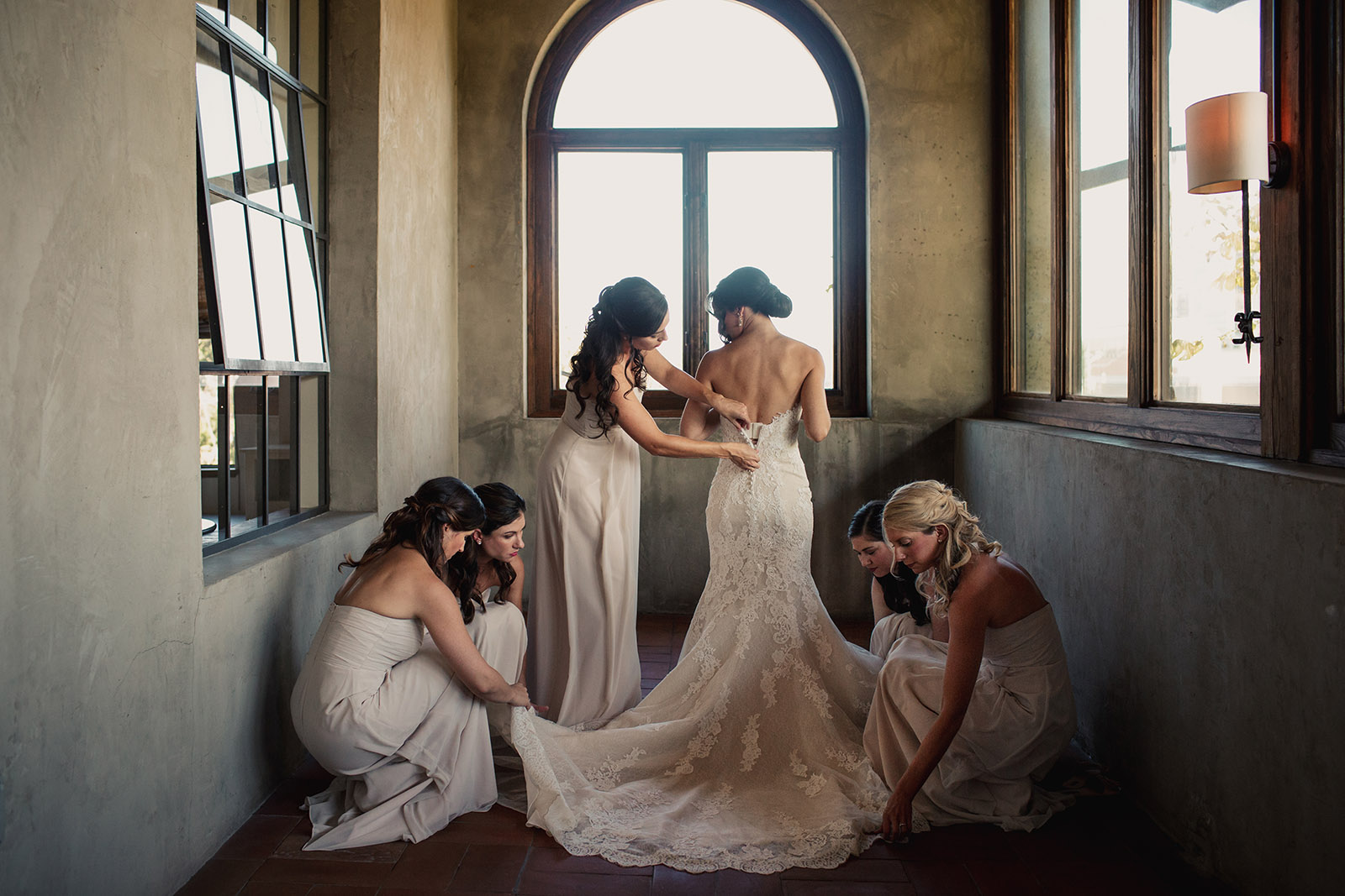 How did I build a wedding photography business that simultaneously emphasizes photojournalism and portraits? This is how. | Click Magazine