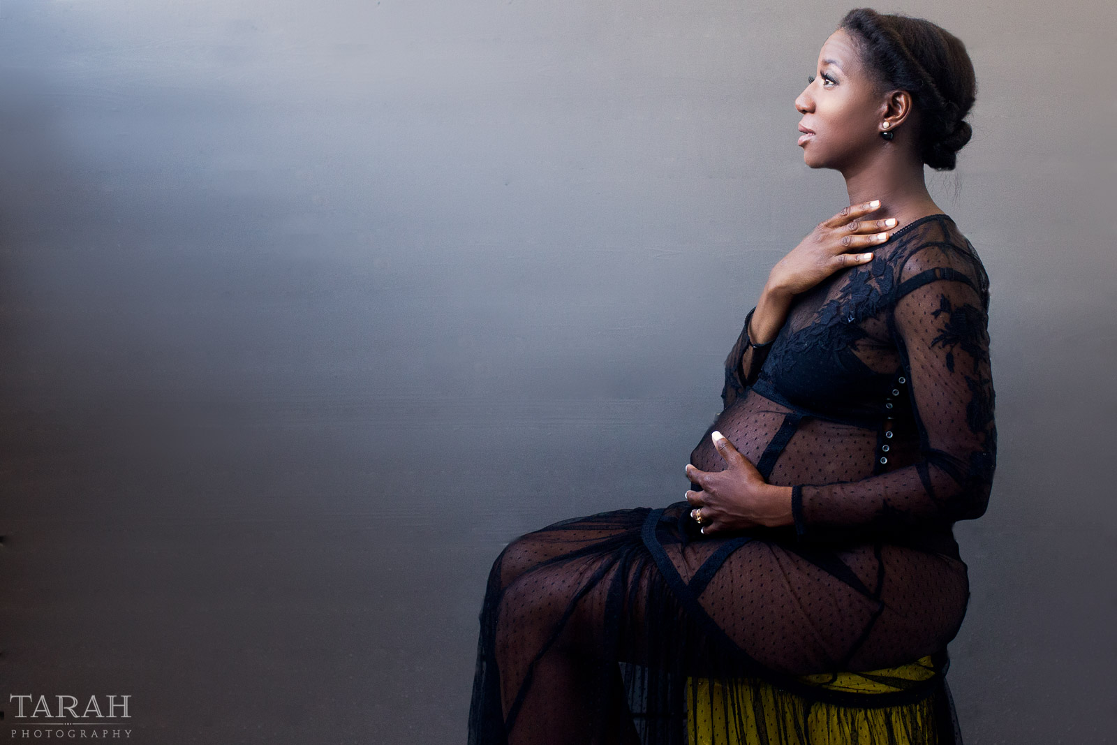 I have photographed countless expecting moms who are having babies later in life, their 30s and 40s. Here are my favorite tips. | Click Magazine