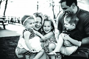 family hug, a photography game for photo sessions