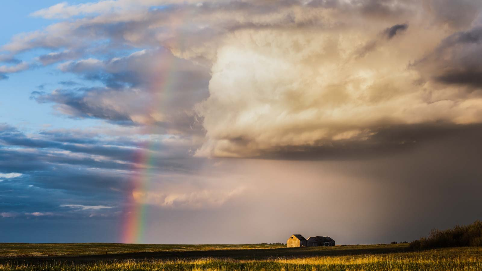 Incredible sky photo by Lori, taken during bad weather.
