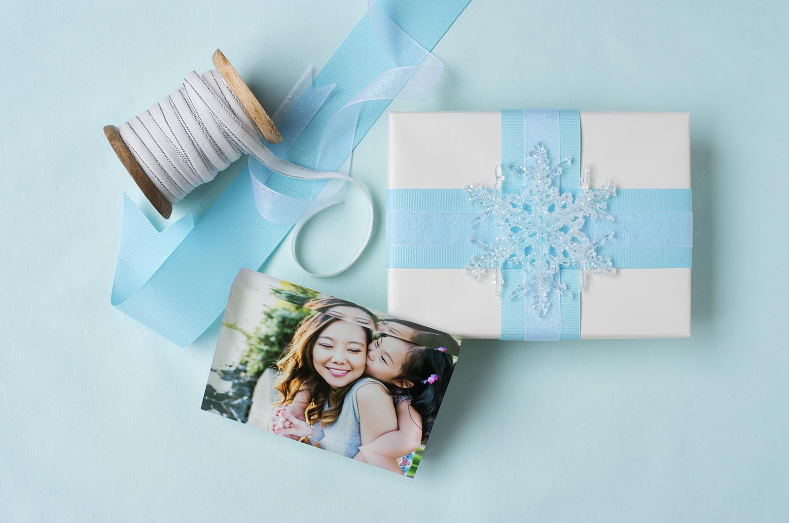 Wrapping paper flat lay image