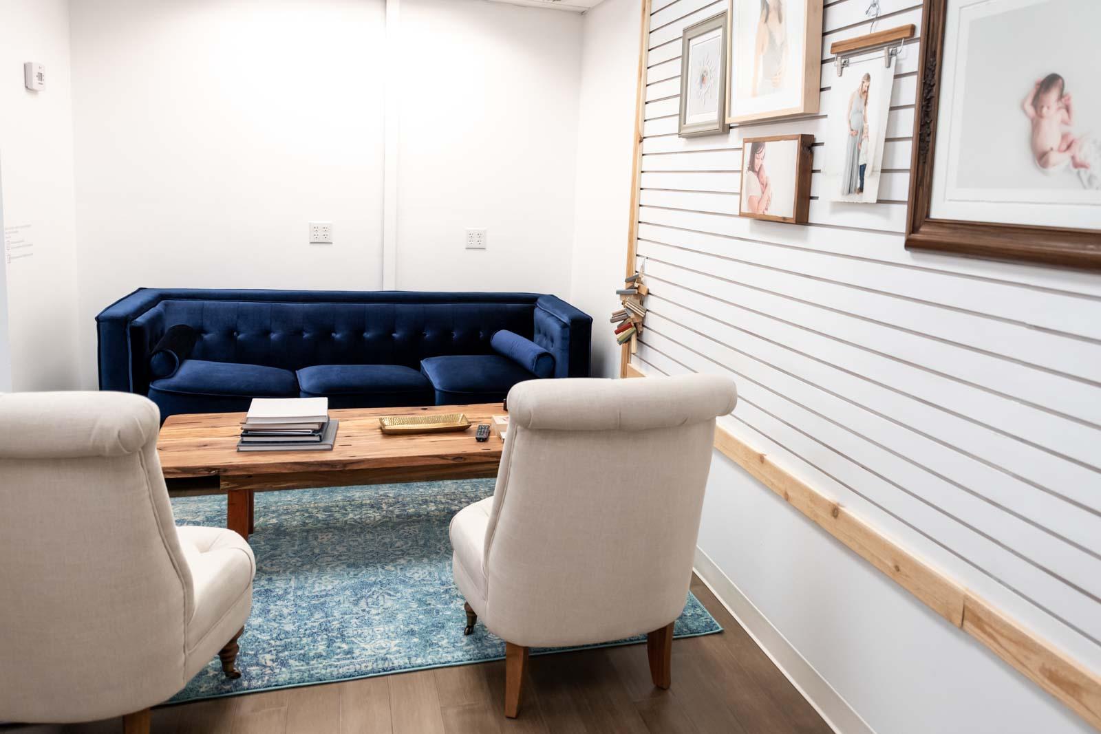 Photo studio design - client meeting area