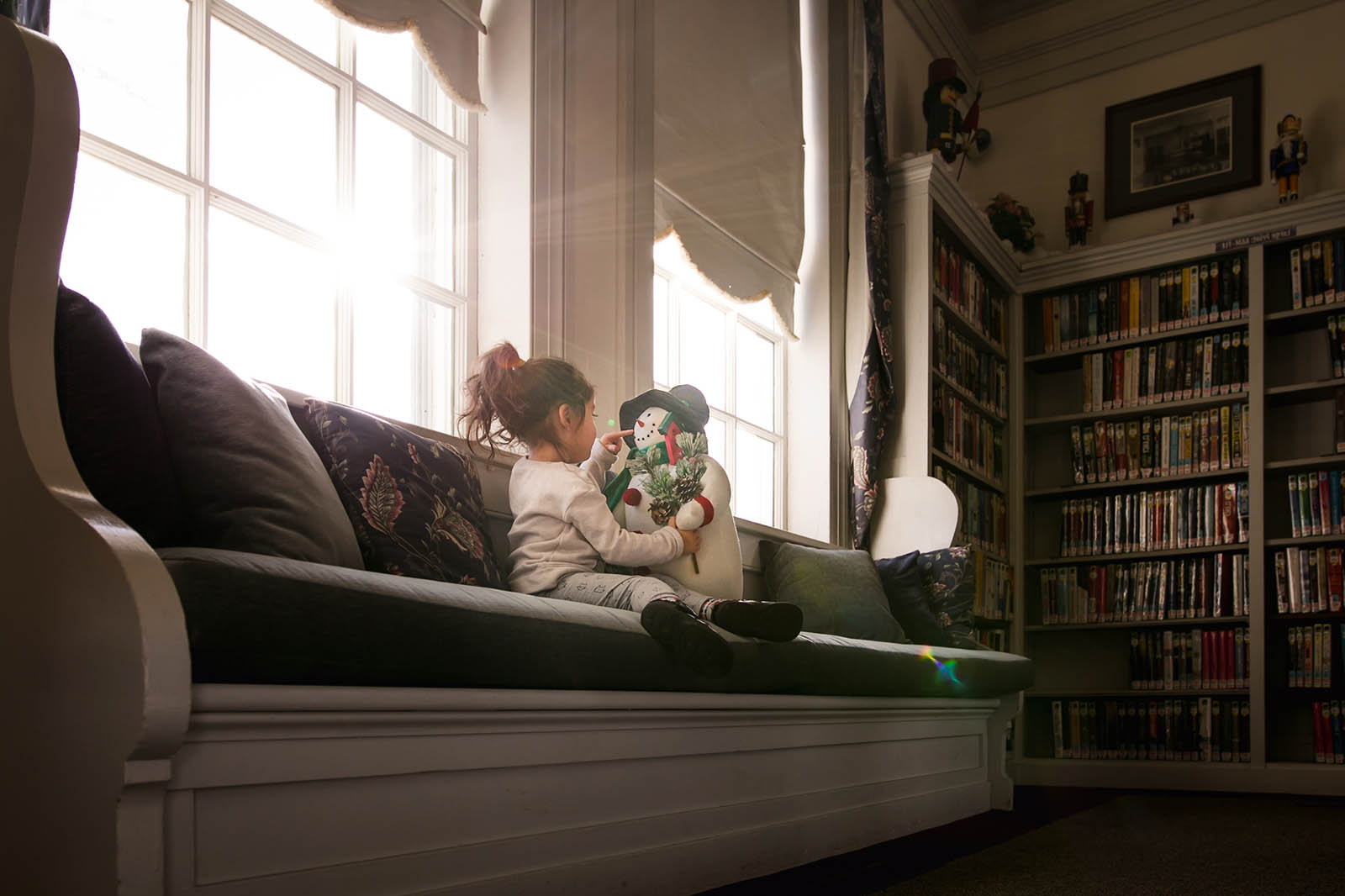 5 Tips for creating magical holiday photos indoors