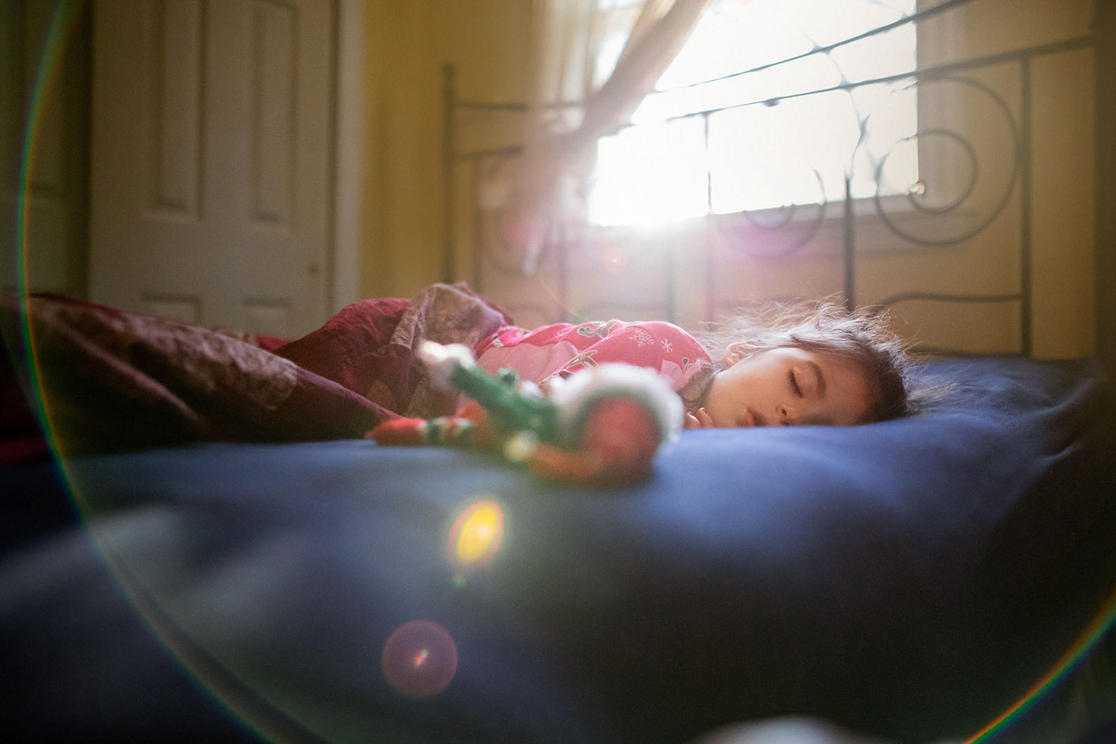 Add sun flare for a touch of magic in your holiday photos