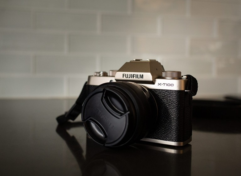 Pro review of the FUJIFILM X-T100 mirrorless camera