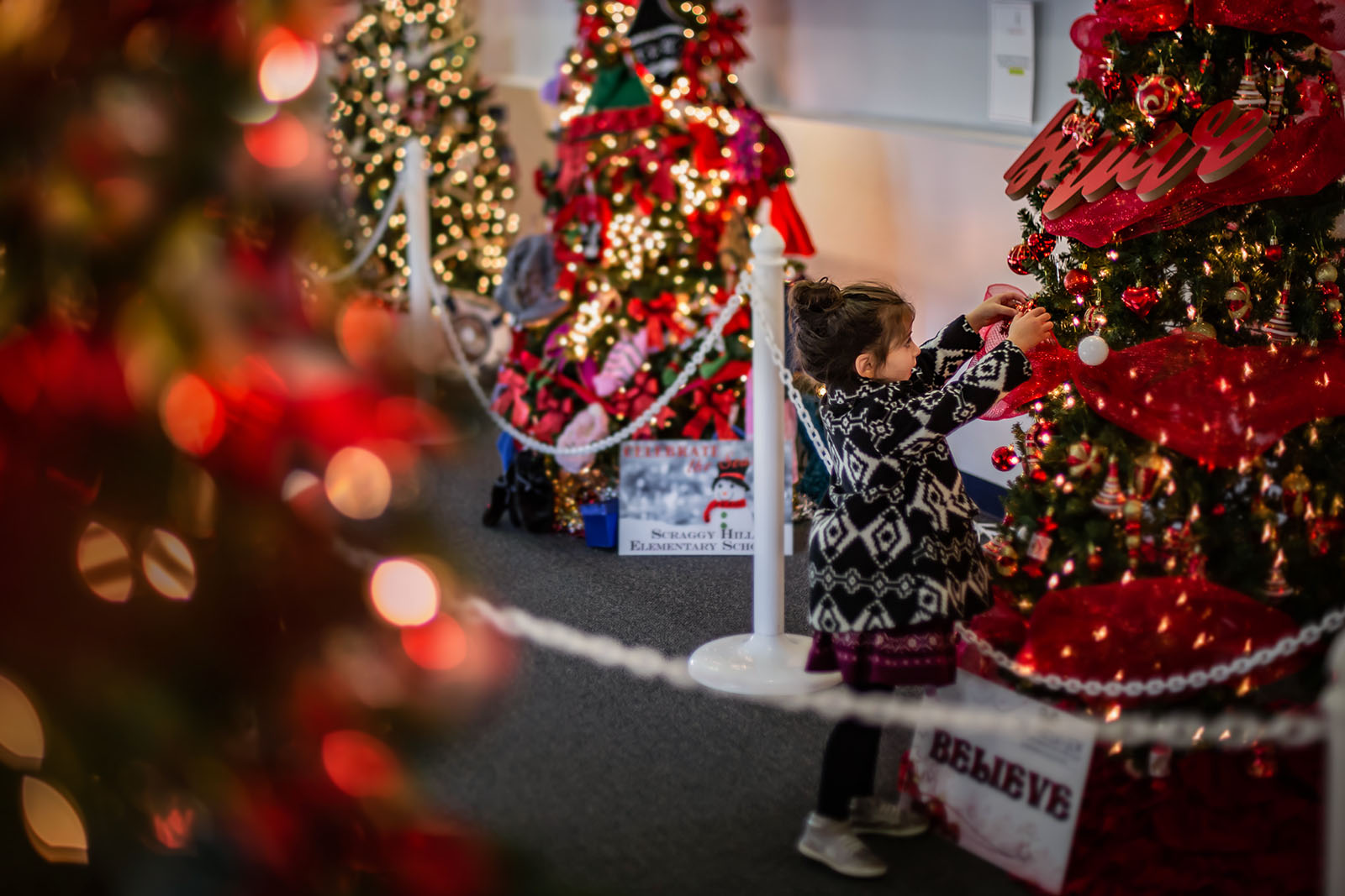 Add magic to indoor holiday photos with bokeh