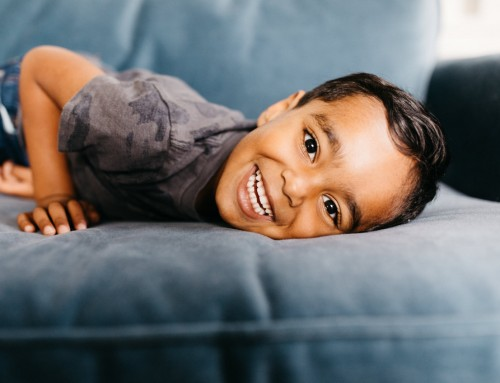 How to photograph shy kids (and introverted parents) naturally