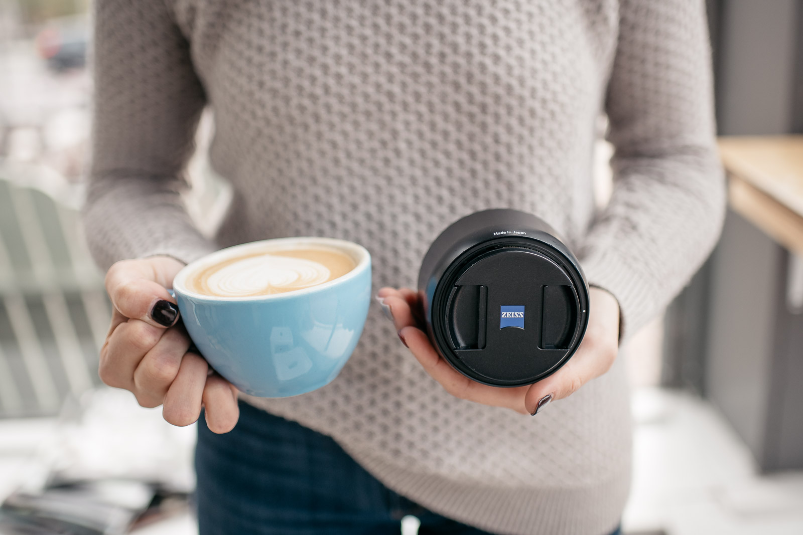 Size comparison of Zeiss Batis 85mm lens with latte