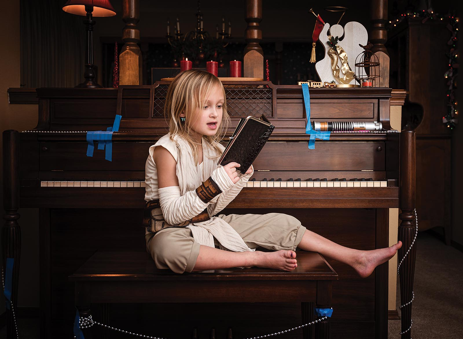 Supplemental light situation with girl at piano